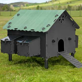 recycled-plastic-hen-house-smart-detail