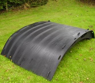 recycled-plastic-hen-shelter-8-5-black-detail