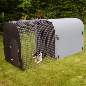 recycled-plastic-deluxe-monster-dog-kennel-detail