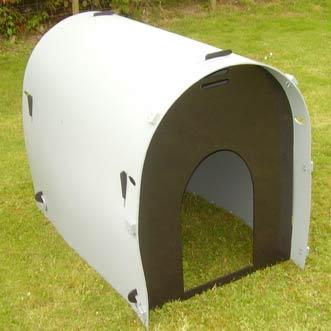 recycled-plastic-standard-dog-kennel-large-door-grey-detail
