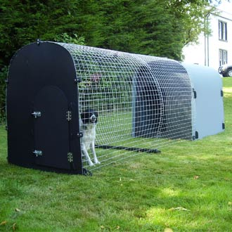 recycled-plastic-super-deluxe-monster-dog-kennel-detail